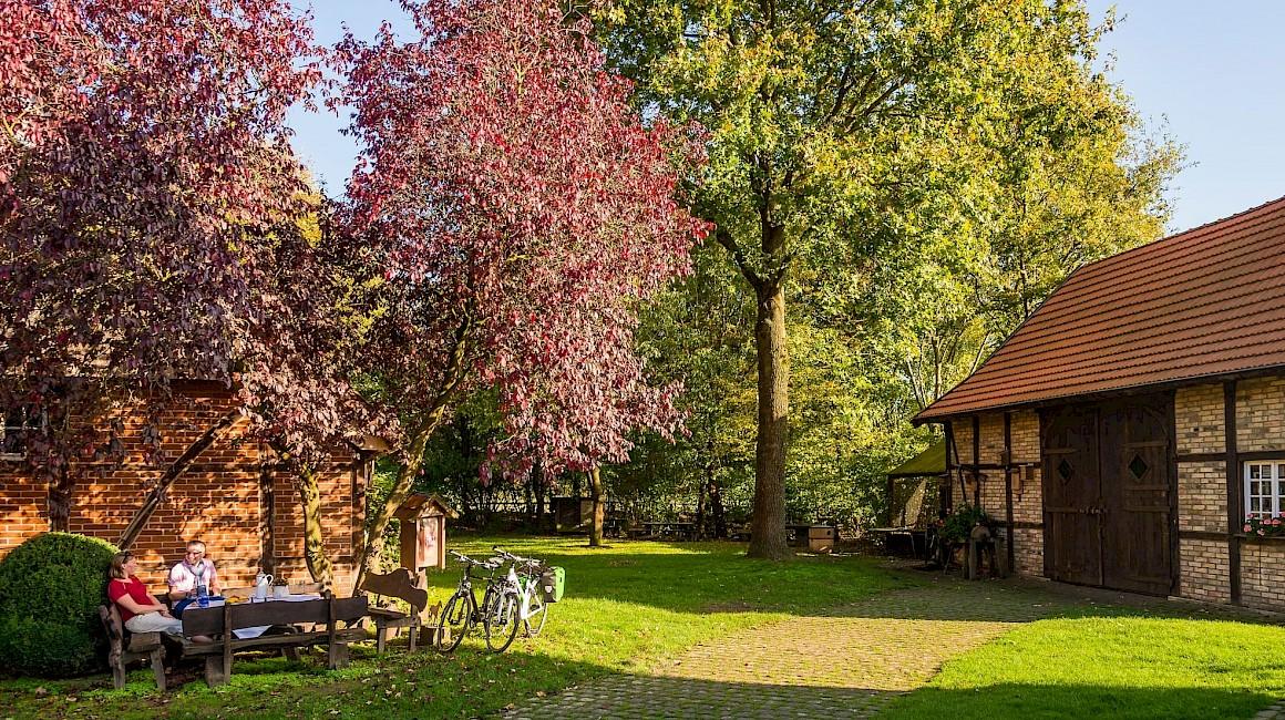 Picknickpause auf der Fahrradtour durch das wunderschöne Münsterland.