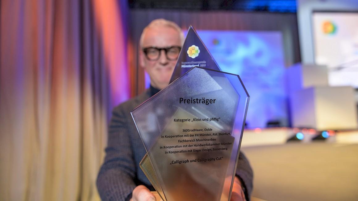 Der Innovationspreis Münsterland 2019 in den Händen von Frank Brormann