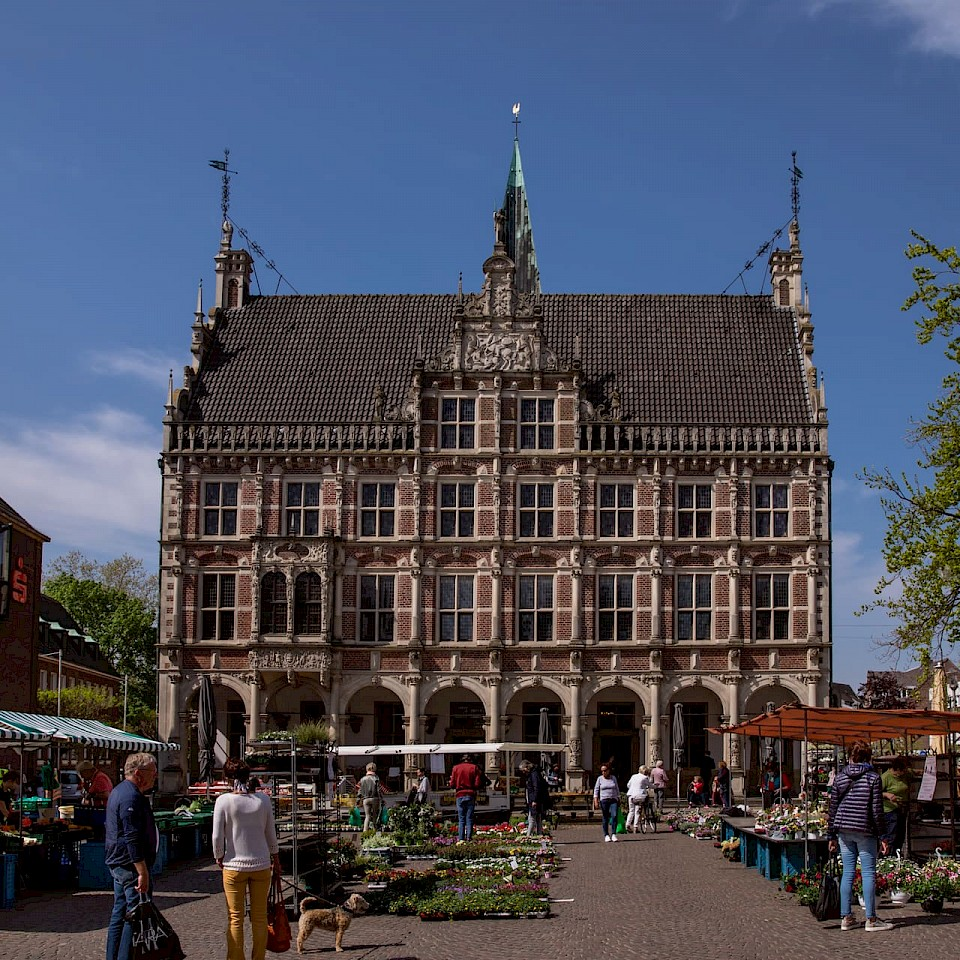Gezicht op het stadhuis in Bocholt