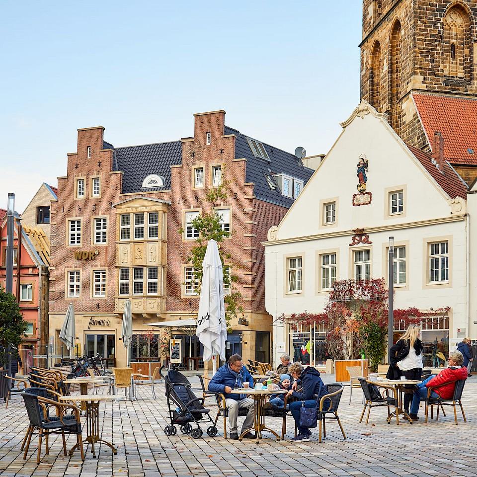 Gezicht op de marktplaats van Rheine in de streek Münsterland in Duitsland