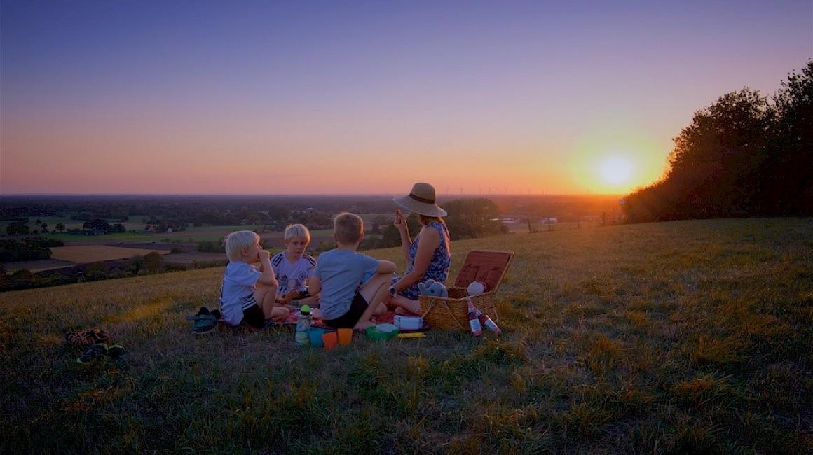 Platz 1: Picknick-Pause auf dem Kleeberg bei Brochterbeck im Tecklenburger Land.
