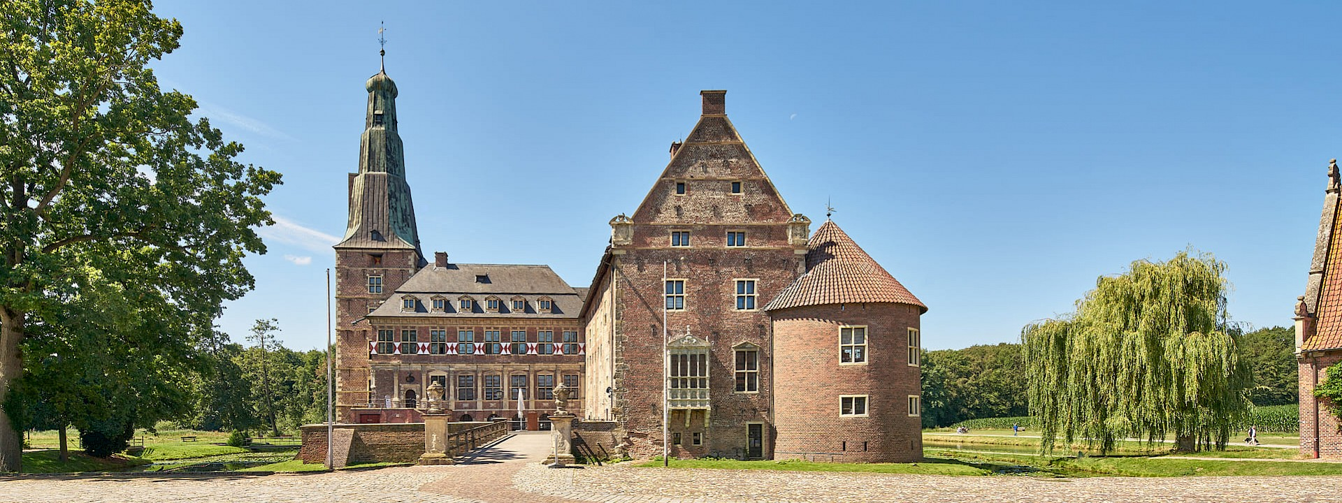 Ein harmonischer Dreiklang aus Schloss, Park und Ort Raesfeld