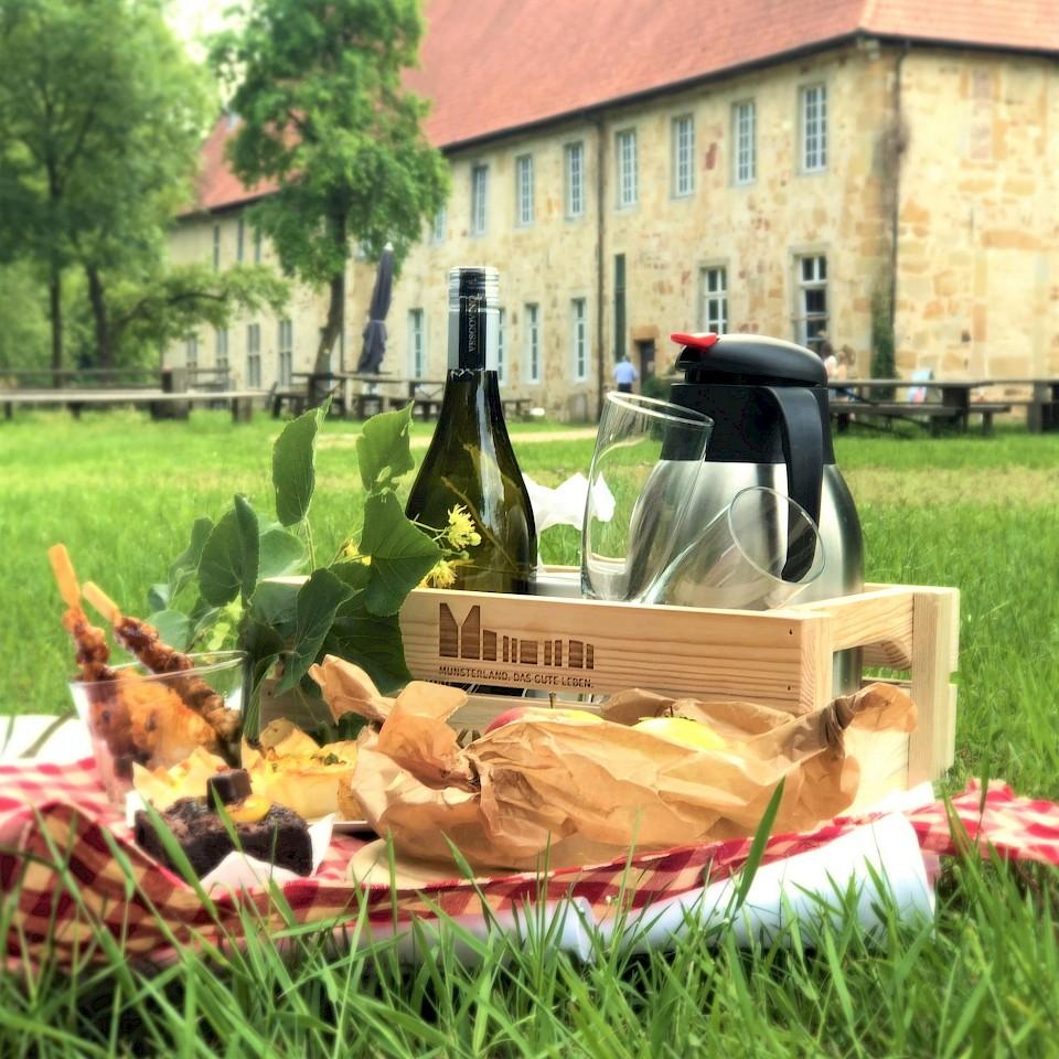 Picknick bij het klooster van Bentlage