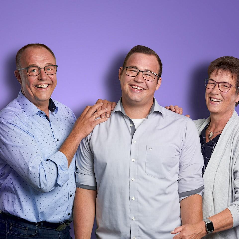 Timo Stegemann und seine Eltern aus Ladbergen