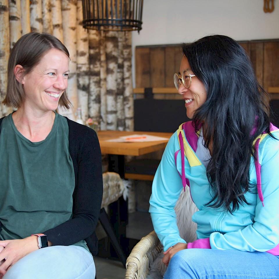 Zurückgekehrt nach Borken: Die Freundinnen Jihn-Young und Nadine
