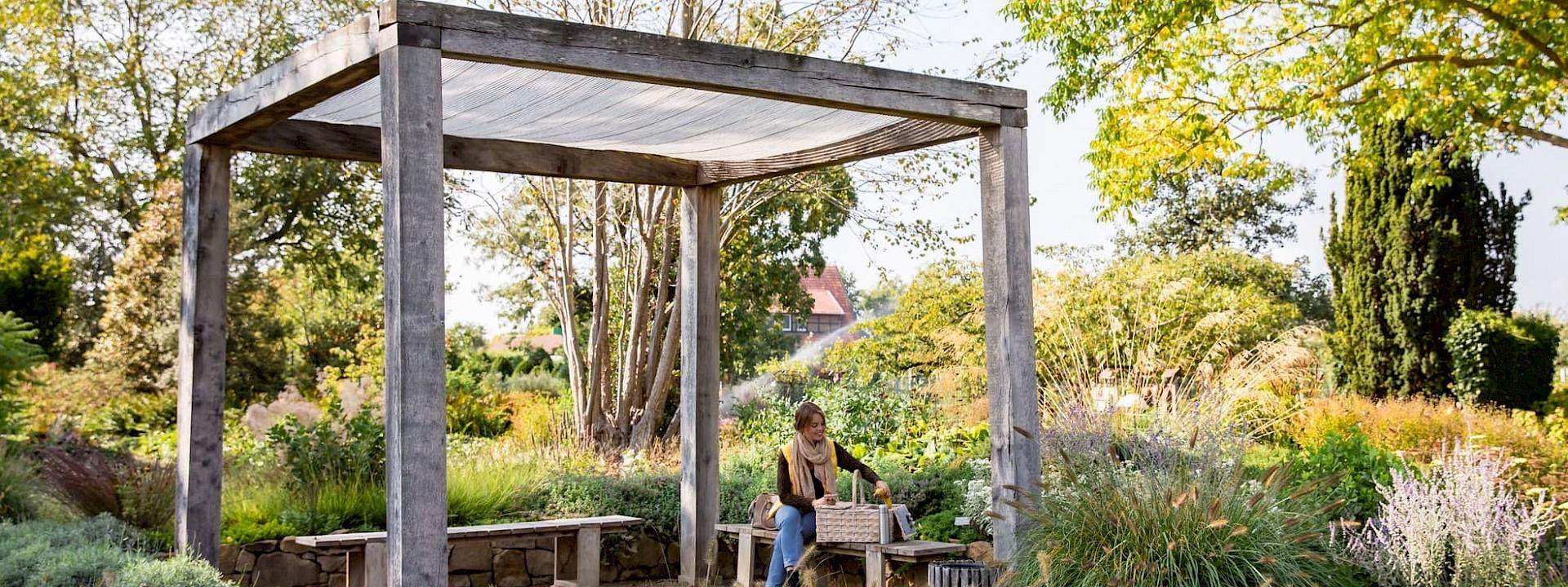 Idyllische Plätze im Garten Picknick im Kreislehrgarten