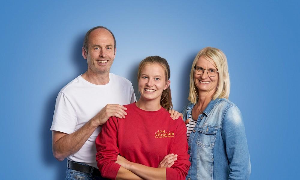 Lara Hellenkemper and her parents