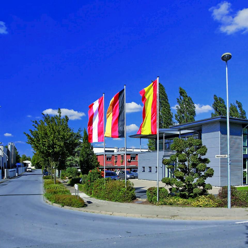 Blick auf das Verwaltungsgebäude der geba Group in Ennigerloh