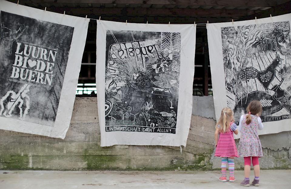 """Das Kunstprojekt """"Luurn bi de Buern"""" setzte sich mit der Landwirtschaft auseinander und wurde durch die RKP gefördert"""