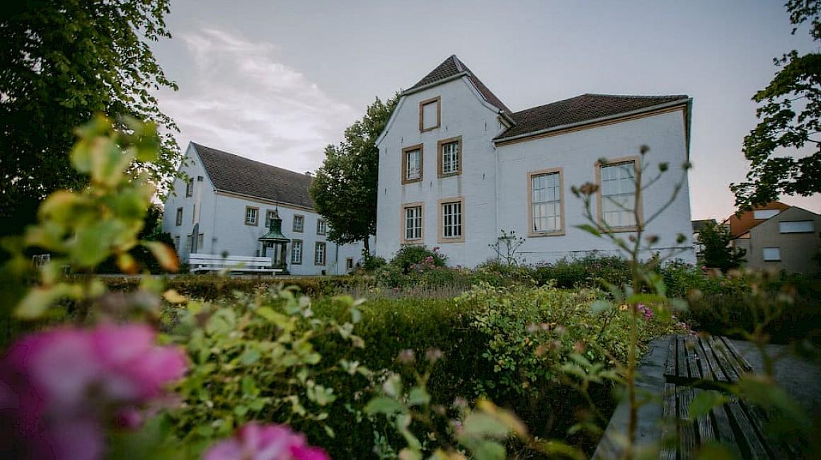 Blick auf das Museum im Falkenhof