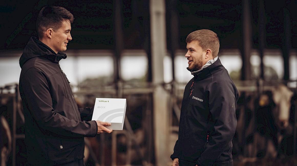 Die HUESKER Stallklimaberater arbeiten intensiv mit den Landwirten zusammen.