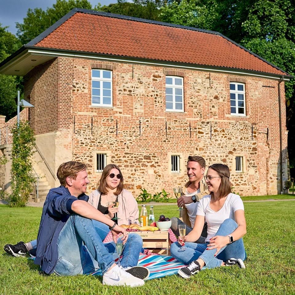 Picknickplatz am Schloss Sythen