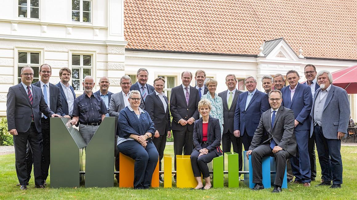 Der Aufsichtsrat des Münsterland e.V. um das neue Logo
